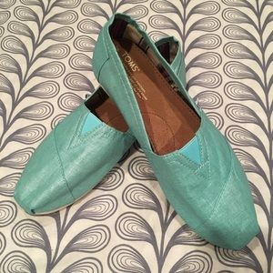 Toms Slip on Shoes.  Size 10.  New!